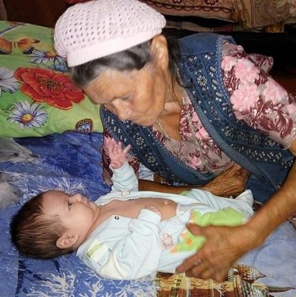 Мишаня в гостях у прабабушки