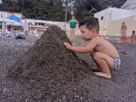 Горы из песка